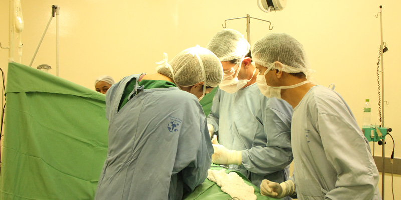 ¿Qué es un Médico y Cirujano?