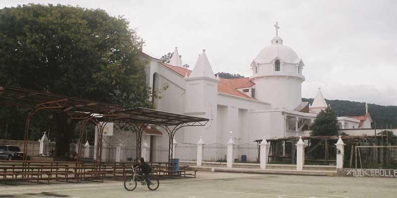 Iglesia-San-Rafael-Las-Flores-Santa-Rosa