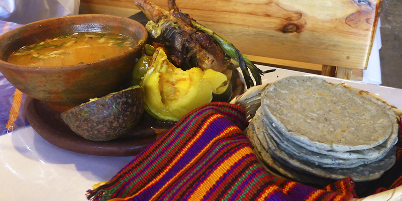 Receta de caldo de gallina guatemalteco