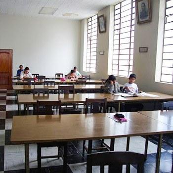 biblioteca-nacional-luis-cardoza-aragon-guatemala-sala-referencia (1)