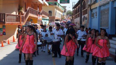 desfile inaugural de el chol