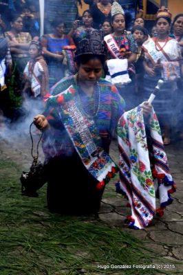 reina indigena de san andres itzapa