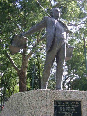 Monumento a Miguel Ángel Asturias