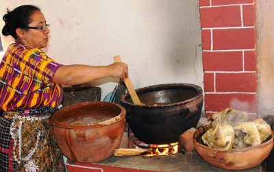 Cómo hacer pinol de gallina guatemalteca