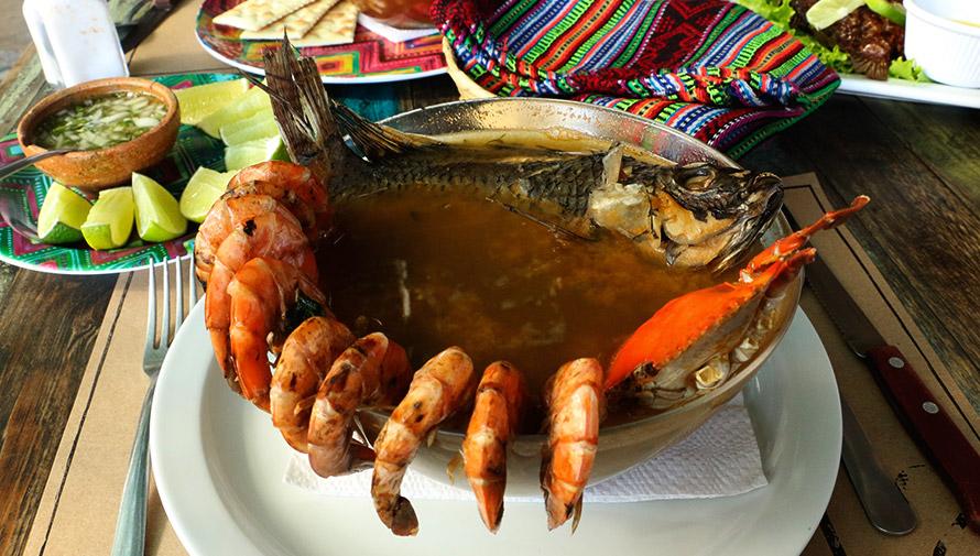 Receta para hacer Caldo de Mariscos guatemalteco