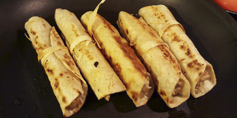 Receta para hacer tacos de papa guatemaltecos