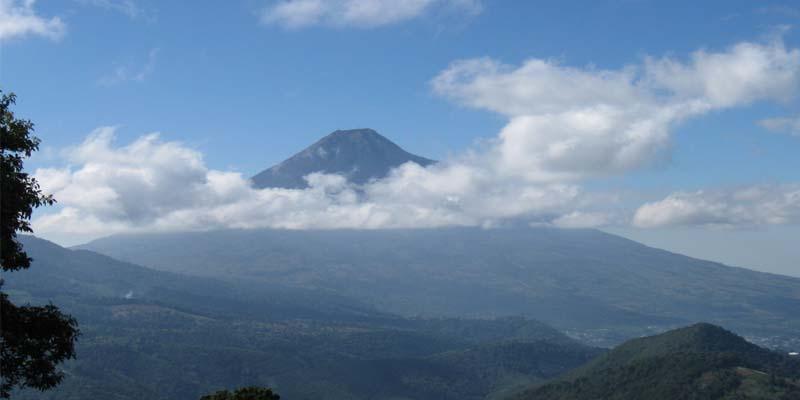volcan-de-agua-cadena-volcanica-guatemala