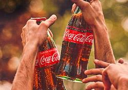 Acompaña el verano con Coca-Cola Original y Sin Azúcar