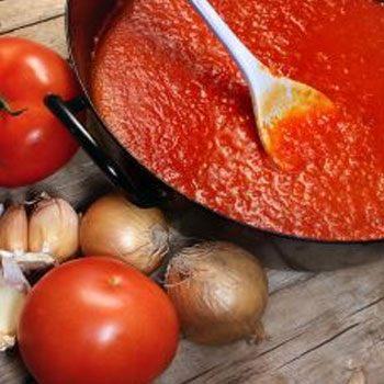 receta-pacayas-envueltas-guatemala-salsa-tomate