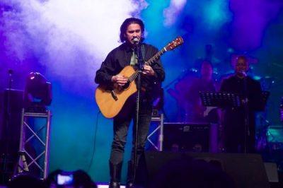 Biografía de Álvaro Aguilar vocalista de Alux Nahual