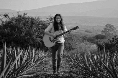 Canciones de la cantante guatematemalteca Mercedes Escobar
