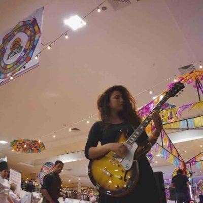 Canciones de la cantautora guatemalteca Elvi
