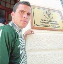 Futbolista Dwight Pezzarossi