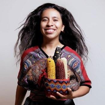 biografia-sara-curruchich-cantante-guatemalteca-escuela-maestros-musica-infancia