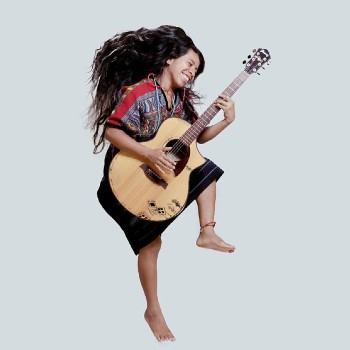 biografia-sara-curruchich-cantante-guatemalteca-festivales-alemania-musica
