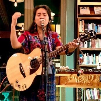 biografia-sara-curruchich-cantante-guatemalteca-musica-kaqchikel