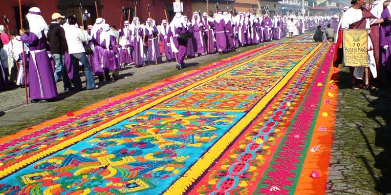 Alfombras de Aserrín en Semana Santa, Guatemala