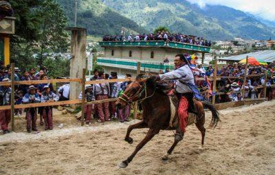 Carrera de caballos en Todos Santos Cuchumatán, Huehuetenango
