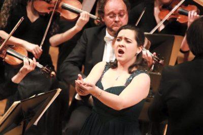 Conoce la biografía de Adriana Gónzalez