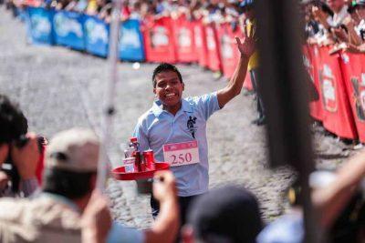 Qué día se realiza la Carrera de Charolas en Antigua Guatemala