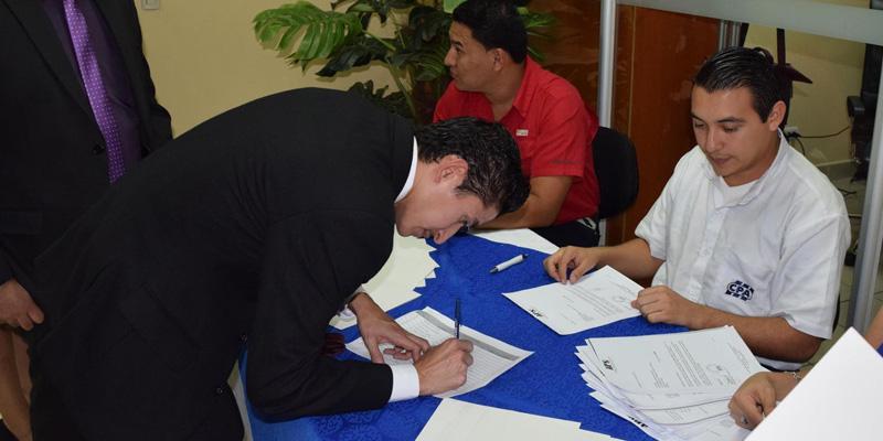 Requisitos para inscribirse en el Colegio de Contadores Públicos y Auditores