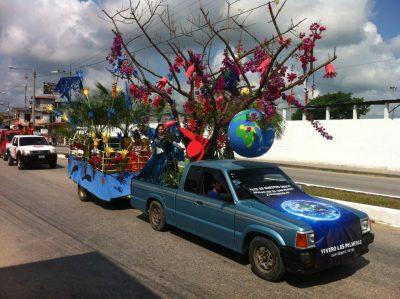 desfile alegórico de san benito