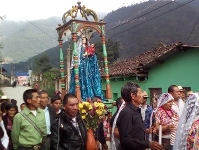 procesión de la virgen de candelaria en cunen