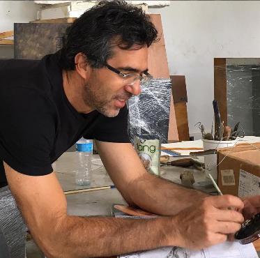 Biografía del escultor Max Leiva