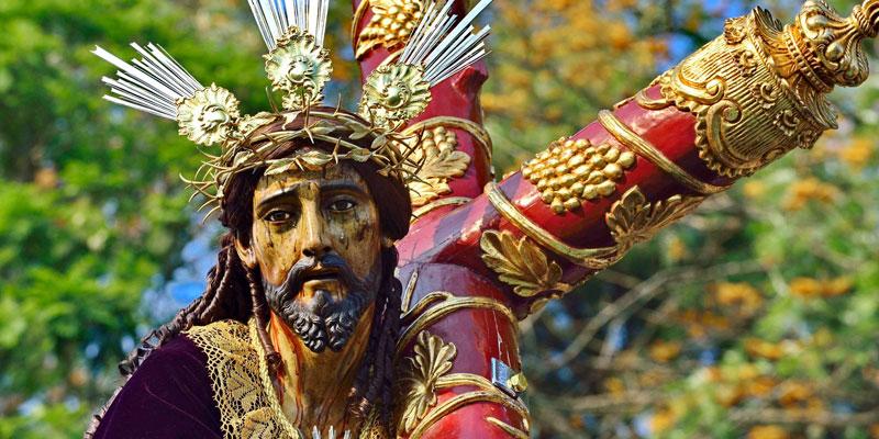 Consagrada imagen de Jesús Nazareno de las Tres Potencias
