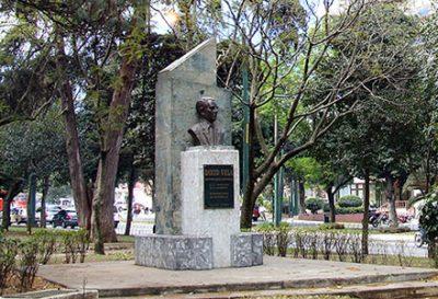 Dónde está ubicado el monumento a David Vela en Guatemala