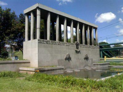 Dónde queda el monumento a la Raza Indígena en Guatemala