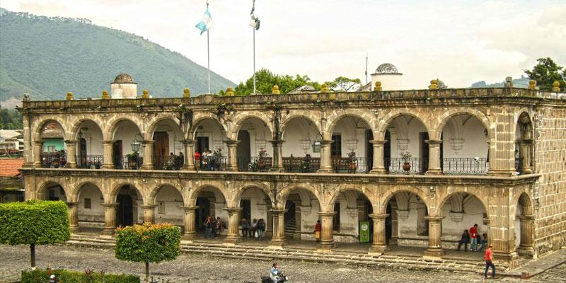 El Palacio del Ayuntamiento en Antigua Guatemala