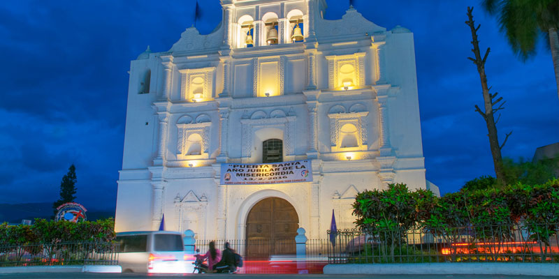Iglesia Parroquial de San Mateo en Salamá