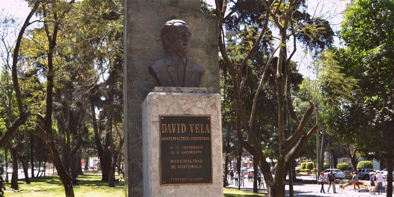 Monumento a David Vela en Guatemala