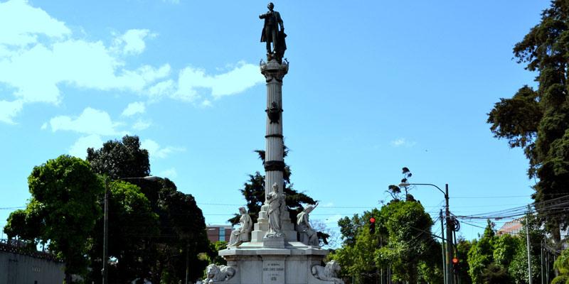 Monumento a Miguel García Granados en Guatemala