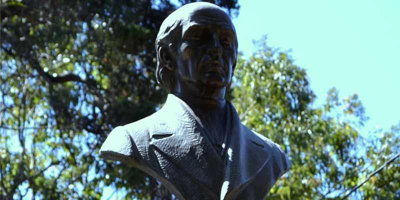Monumento a Miguel Hidalgo y Costilla en Guatemala
