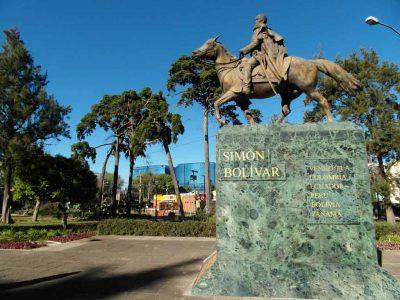 Monumento a Simón Bolívar en Guatemala