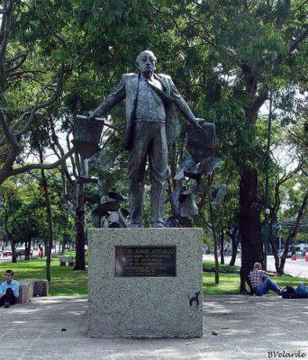 Monumento al escritor literario Miguel Ángel Asturias en Guatemala