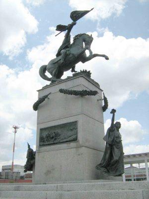 Monumento al presidente Justo Rufino Barrios en GuatemalaMonumento-a-Justo-Rufino-Barrios-en-Guatemala