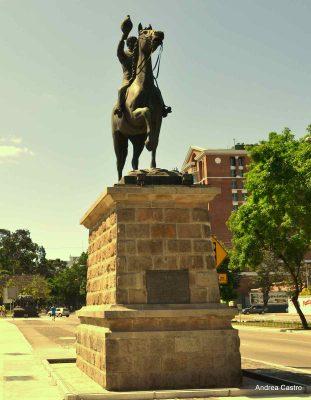 Monumento al presidente Reyna Barrios en Guatemala