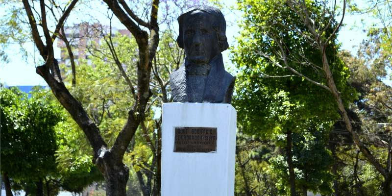 Monumento en Guatemala de José Bonifácio Andrade E Silva