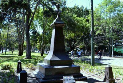 Monumento en Guatemala de Miguel Hidalgo y Costilla