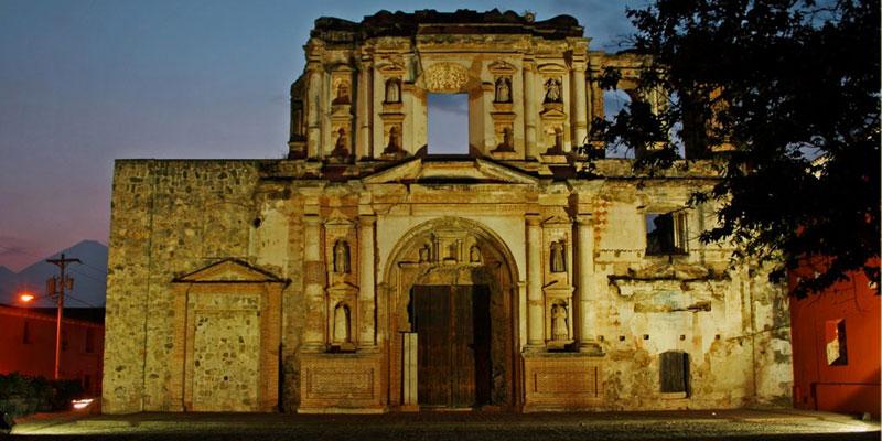 Ruinas de la Iglesia de la Compañía de Jesús en Antigua Guatemala