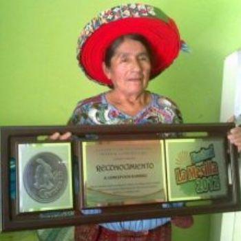 concepcion-ramirez-mendoza-doña-chonita-rostro-moneda-veinticinco-centavos-moneda-guatemala-reconocimientos