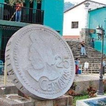 concepcion-ramirez-mendoza-doña-chonita-rostro-veinticinco-centavos-moneda-guatemala-escultura