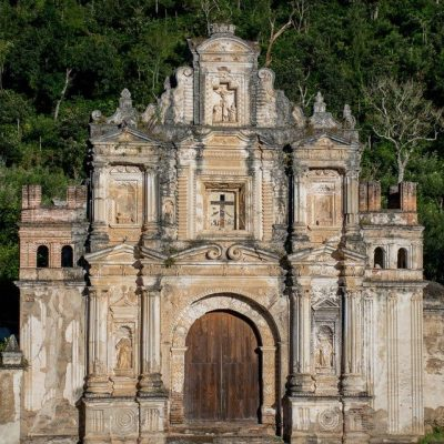 detalles de la fachada de la ermita de la santa cruz