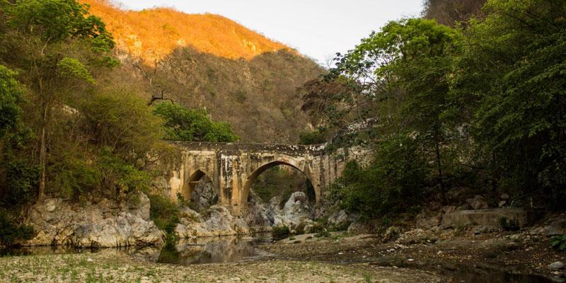 puente de barranquilla en sanarate