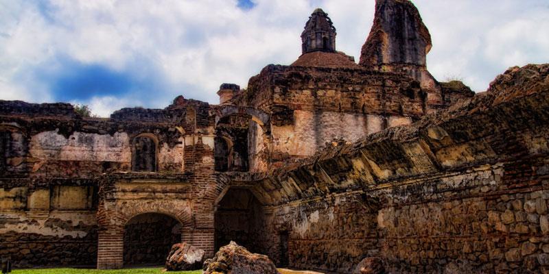ruinas del convento de la recoleccion en la antigua guatemala
