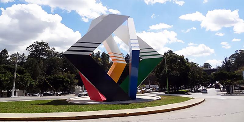Escultura de la Plaza del Espíritu Ganador