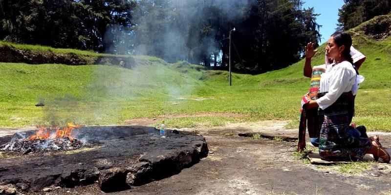 Lugar sagrado Qumarkaj Quiché